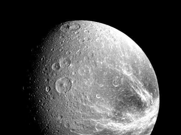 Диона, спутник Сатурна