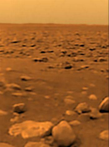 """Камни в месте посадки зонда """"Гюйгенс"""" имели округлую форму."""