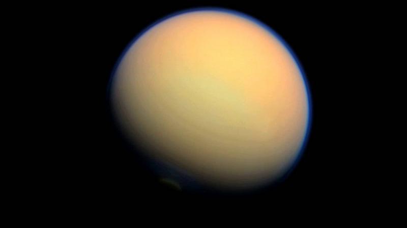 """Таким Титан увидел """"Вояджер"""""""