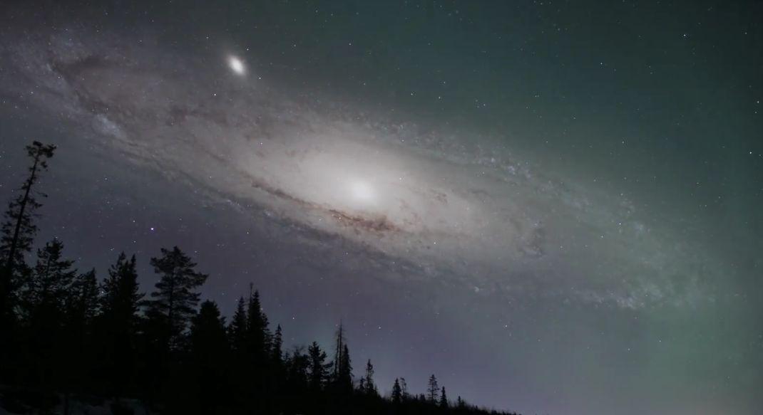 Если бы галактика Андромеды была гораздо ближе.
