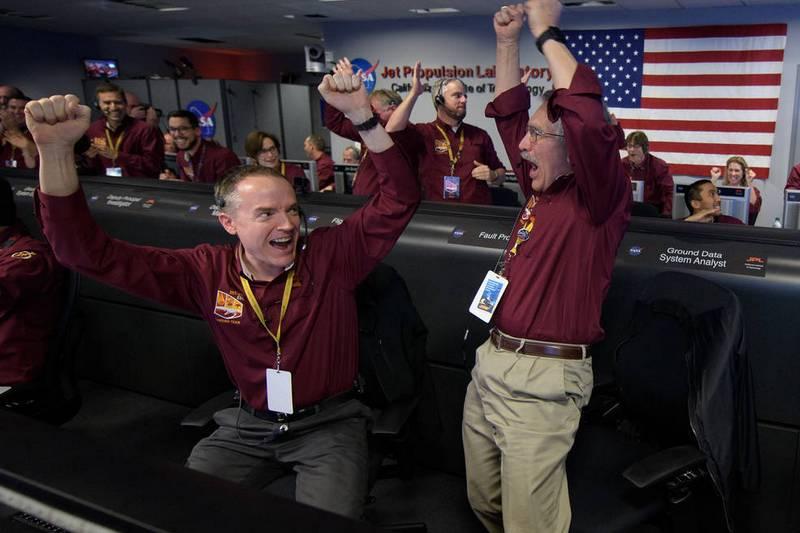 Посадка InSight на Марс прошла успешно. Команда ликует.