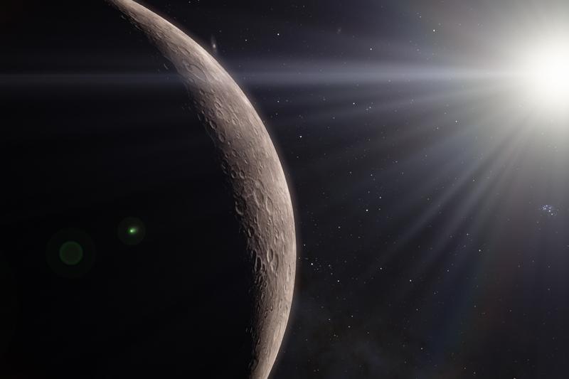 Планета Меркурий в лучах солнечного света