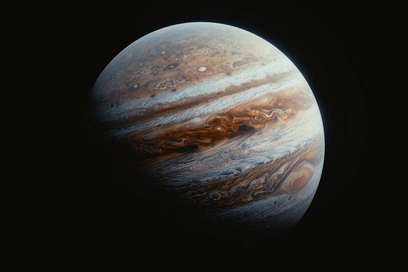 Юпитер - самая большая планета Солнечной системы
