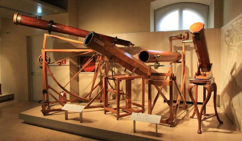Телескопы Галилео Галилея, созданные им в разное время. Музей Галилея во Флоренции.