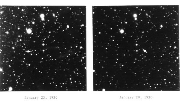 Фотографии, на которых видна сместившаяся звезда - это Плутон.