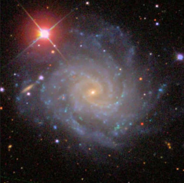 Галактика NGC 5885