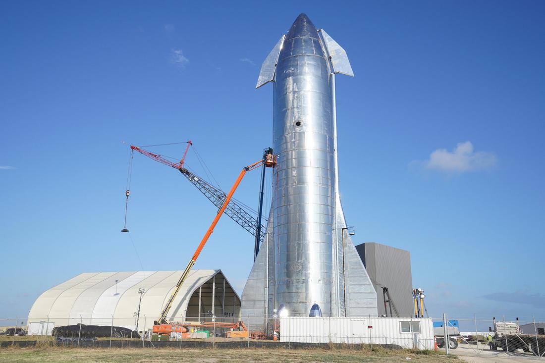 Ракета-прототип Starship Mk1 с установленным носовым обтекателем.