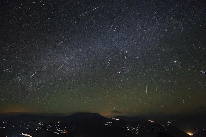 Метеорный поток Урсиды.