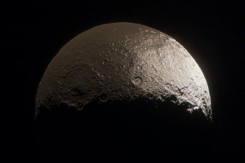 Спутник Сатурна Япет - описание, характеристики