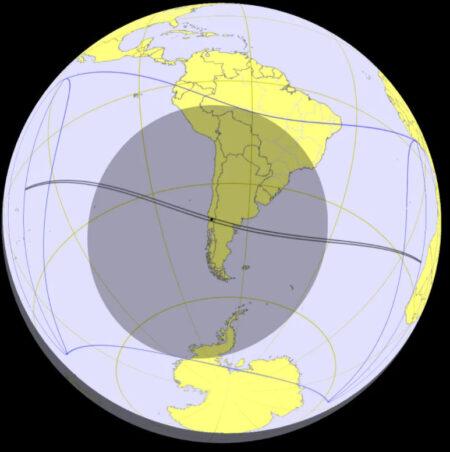 Путь лунной тени во время солнечного затмения 14 декабря 2020 года.