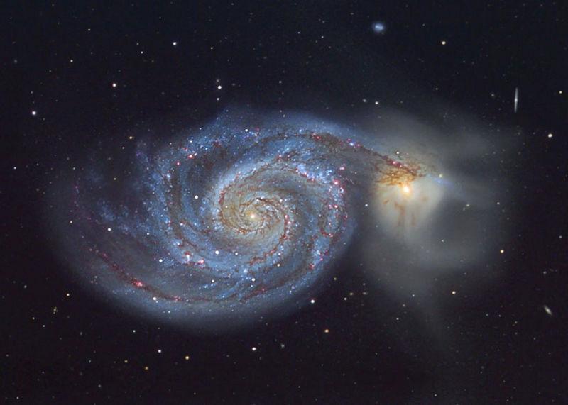 """Галактика М51 """"Водоворот"""" и её компаньон - галактика NGC 5195."""